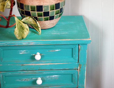 teal zeal end table after 2