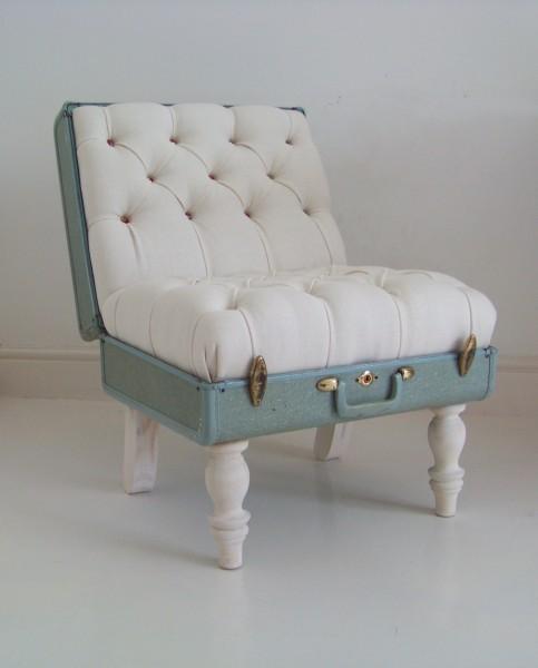 samsonite white suitcase chair